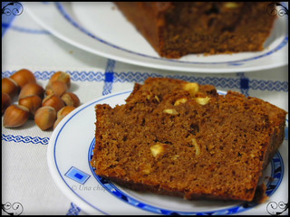 Bizcocho de naranja y cacao con avellanas / Cacao and orange sponge cake with hazelnuts