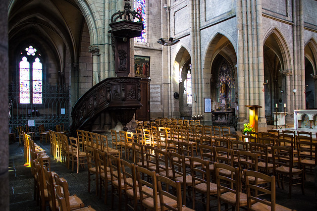 Basilique Notre Dame De D?livrance Interior 02