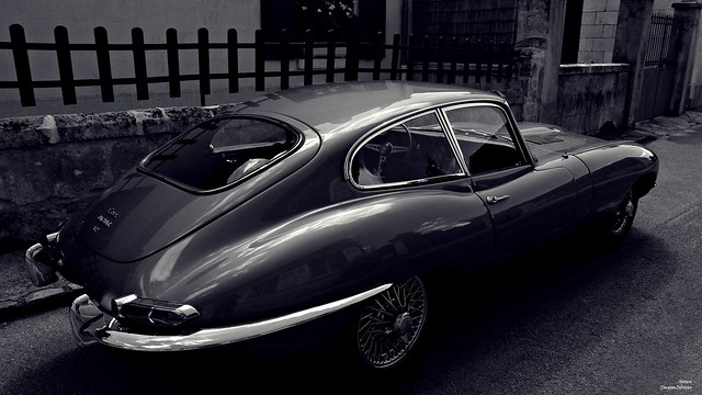 Jaguar, voiture de prestige.