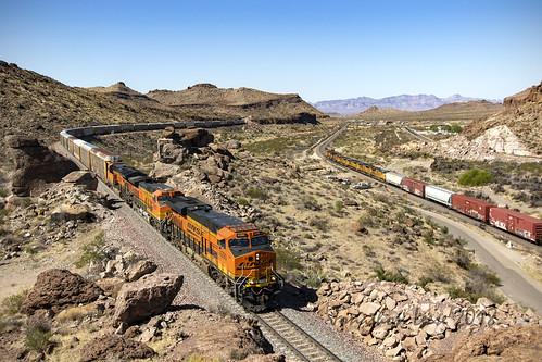 ge bnsf railway railroad locomotive
