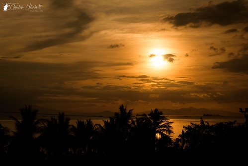 d7200 moa mallofasia nikon sigma1750mmf28exdcoshsm lowlight street sunset dusk silhouette sea ocean water sun sky