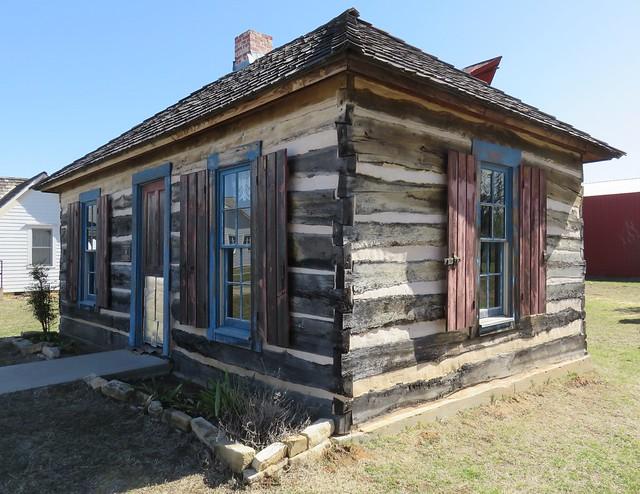 Historic Log Cabin (Perkins, Oklahoma)