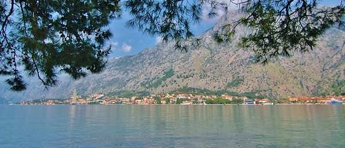 montenegro kotorbay bay water mountains stevelamb nikon d70s tokina 1116mmf28 muo wideangle