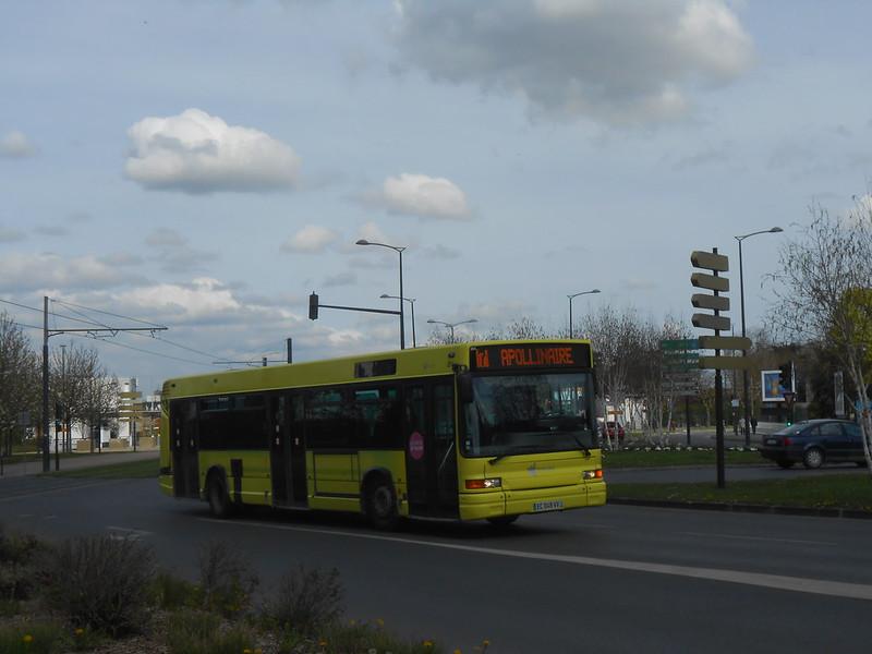 Reims bus 27933868718_c91212e953_c