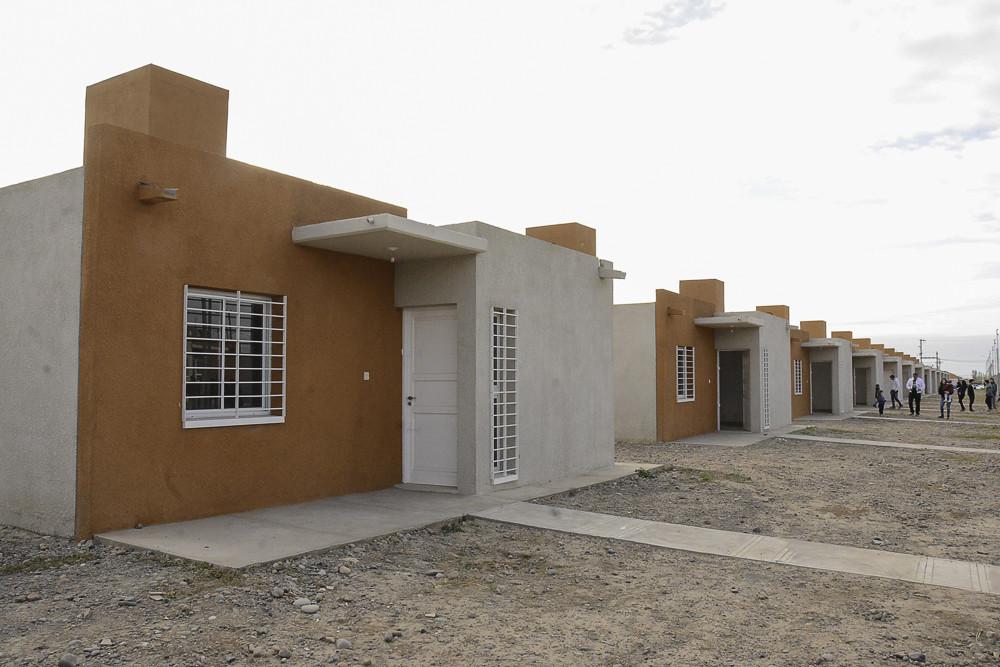 2018-05-16 PRENSA: Entrega de vivienda barrio Rawson conjunto 4.