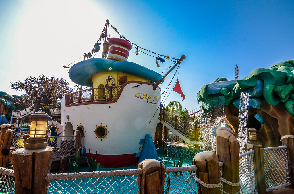 Miss Daisy boat toontown TDL