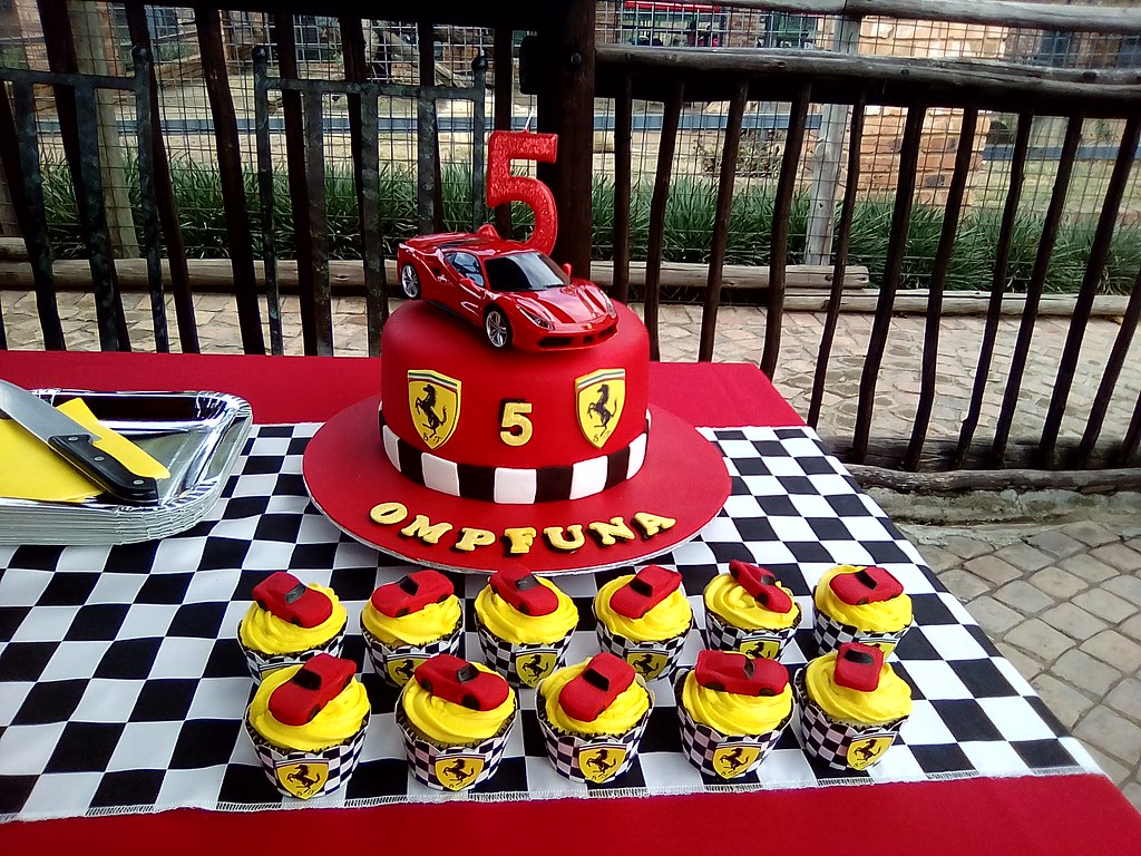 Peachy Ferrari Cake And Cupcakes Exif Jpeg 420 Treasures And Tiaras Funny Birthday Cards Online Ioscodamsfinfo
