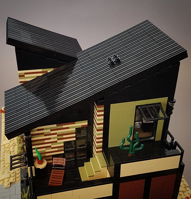Olive Sand House MOC roof close-up