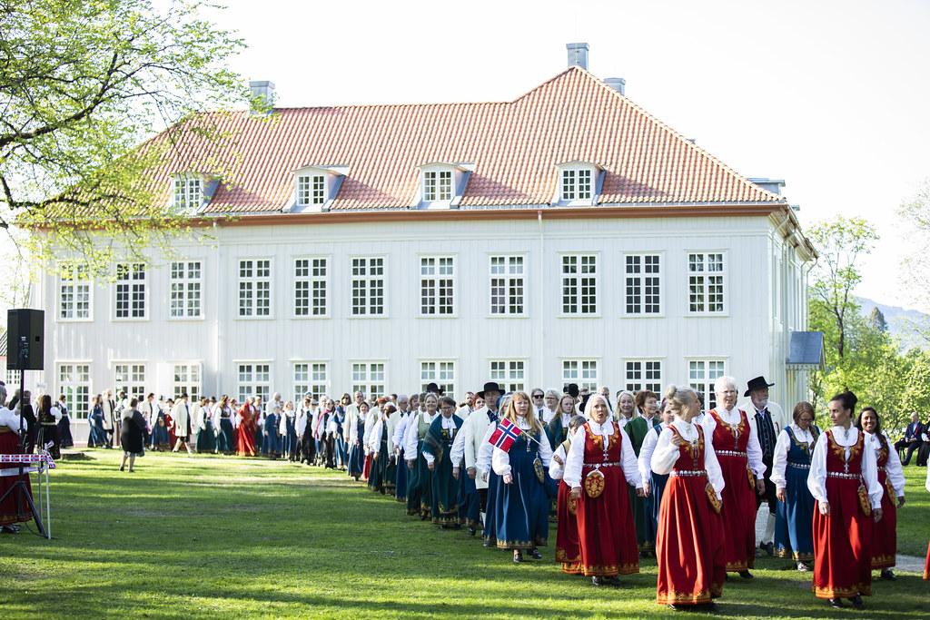 Yngstemann på Eidsvoll. Lærerveiledning — Mangschou