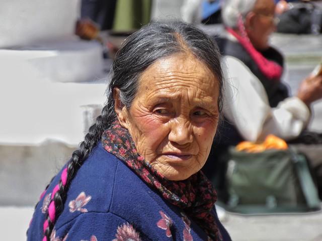 Mujer de etnia tibetana