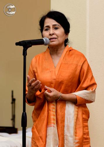 Santosh Tandon, Pramukh Loa Angeles, expresses her views