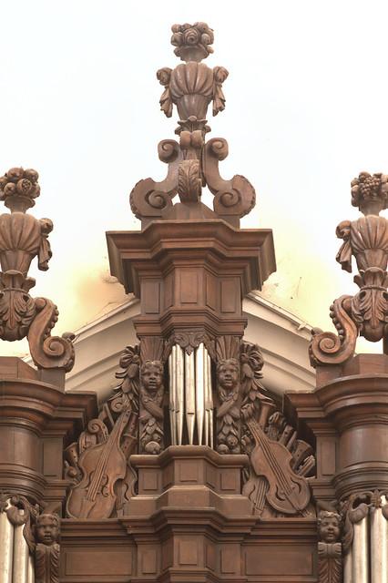 Bollezeele, Nord, Flandre, Église Saint Wandrille, organ, detail