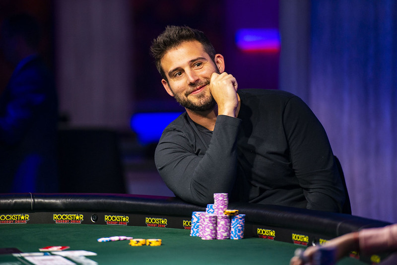 Champion Darren Elias