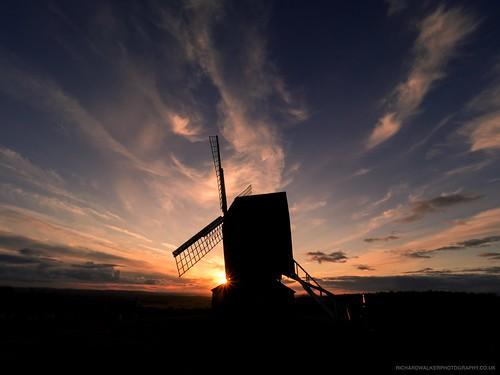 clouds cirrus landscape nature sunset brillhill windmill bucks