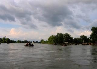 Río Suchiate, entre Tecun Uman (Ayutla), Guatemala y Cd. Hidalgo, Chiapas,  México