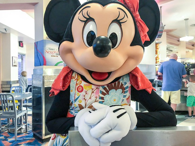 Minnie Mouse at Hollywood & Vine