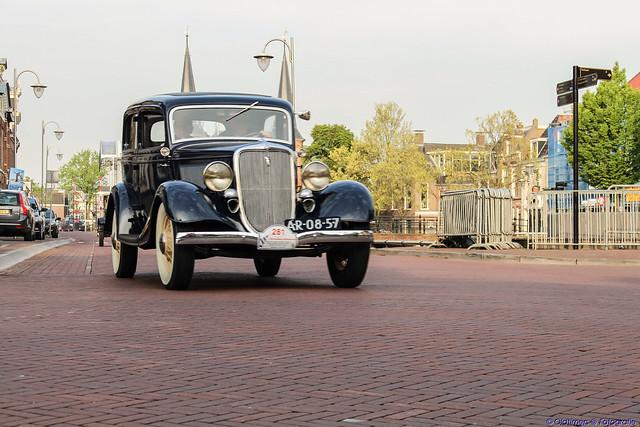 1934 Ford Tudor de Luxe Sedan - AR-08-57