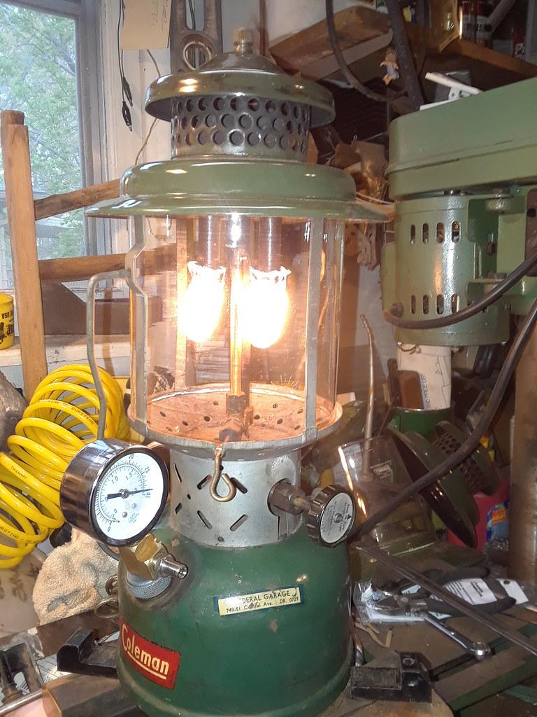 Coleman 220E Lantern - 6/52 - repaired | Lantern had a bad v… | Flickr