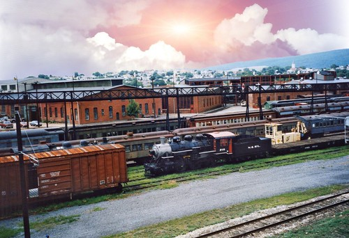 steamtown scranton pa pennsylvania nationalhistoric site vintage old photo museum railroad nhs heritage yards downtown delaware lackawanna dlw western turntable roundhouse onasill nrhp historical manufacturing locomotives luzernecounty attractonsite sunset sky clouds