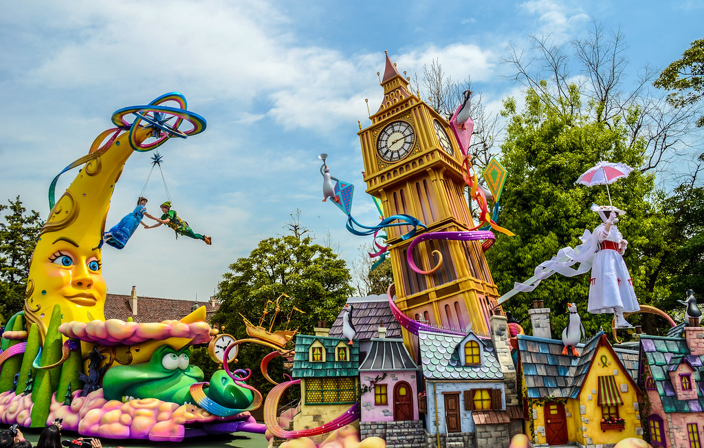 Mary Poppins and Peter Pan float Dream Up TDL