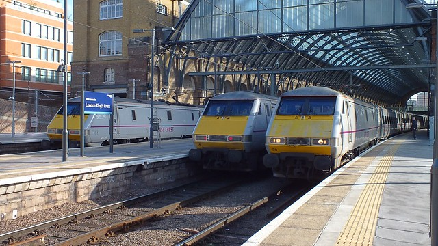 East Coast Class 91s lined up at the Cross - left to right 91126, 91116 & 91130. 01 03 2015