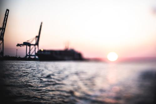 sunrise sun river ship dock jaxport landscape water distortion freelens lenswhacking canon nikon 50mm elens jacksonville florida 3rdratephotography earlware 365