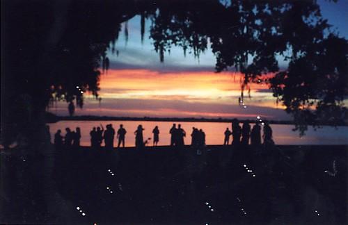 wedding sunset louisiana bubbles silohette newiberia jeffersonisland lakepeigneur