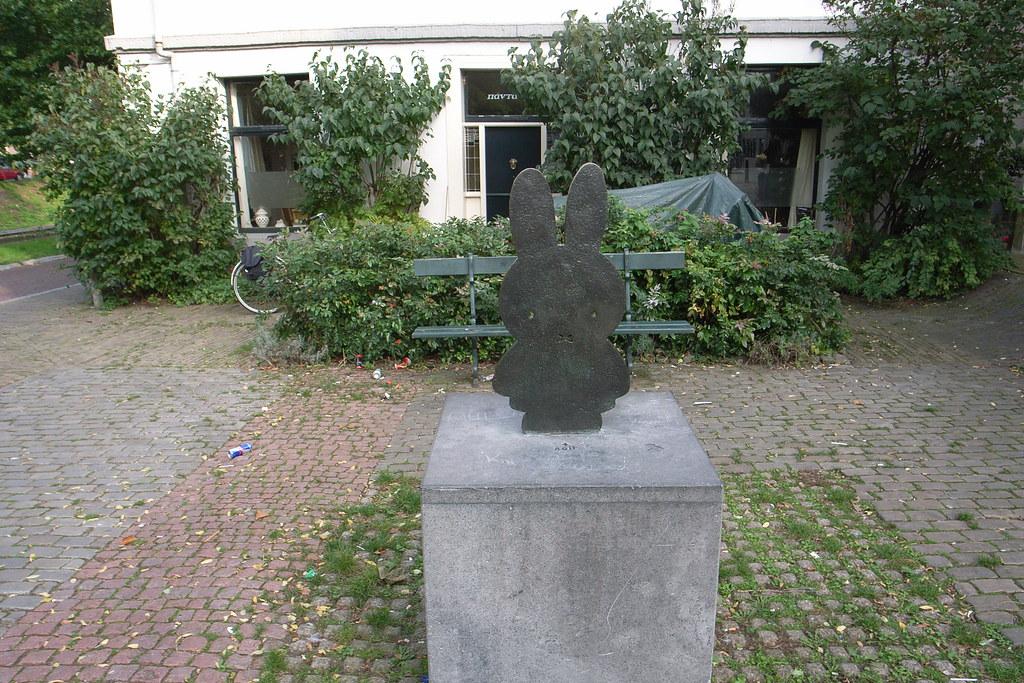 nijntje / miffy sculpture