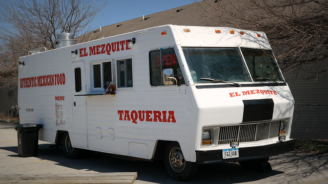 Taqueria El Mezquite Taco Truck in Des Moines Iowa