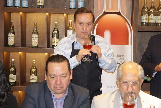 Presentan nuevo vino de