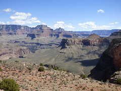 Grand Canyon - South Kaibab Trail, heading to Skeleton Point, looking north east