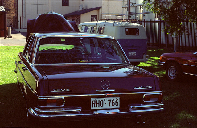 Mercedes-Benz W108 280S + split window VW Kombi
