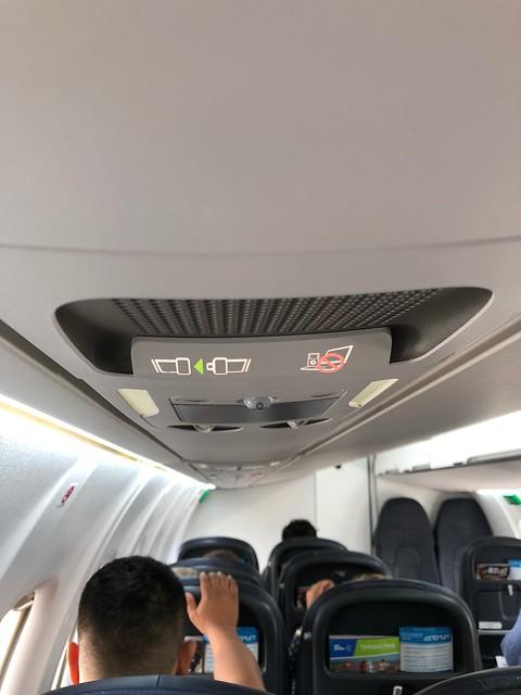 水, 2018-03-07 10:19 - Aeromar機のiPod使用不可表示